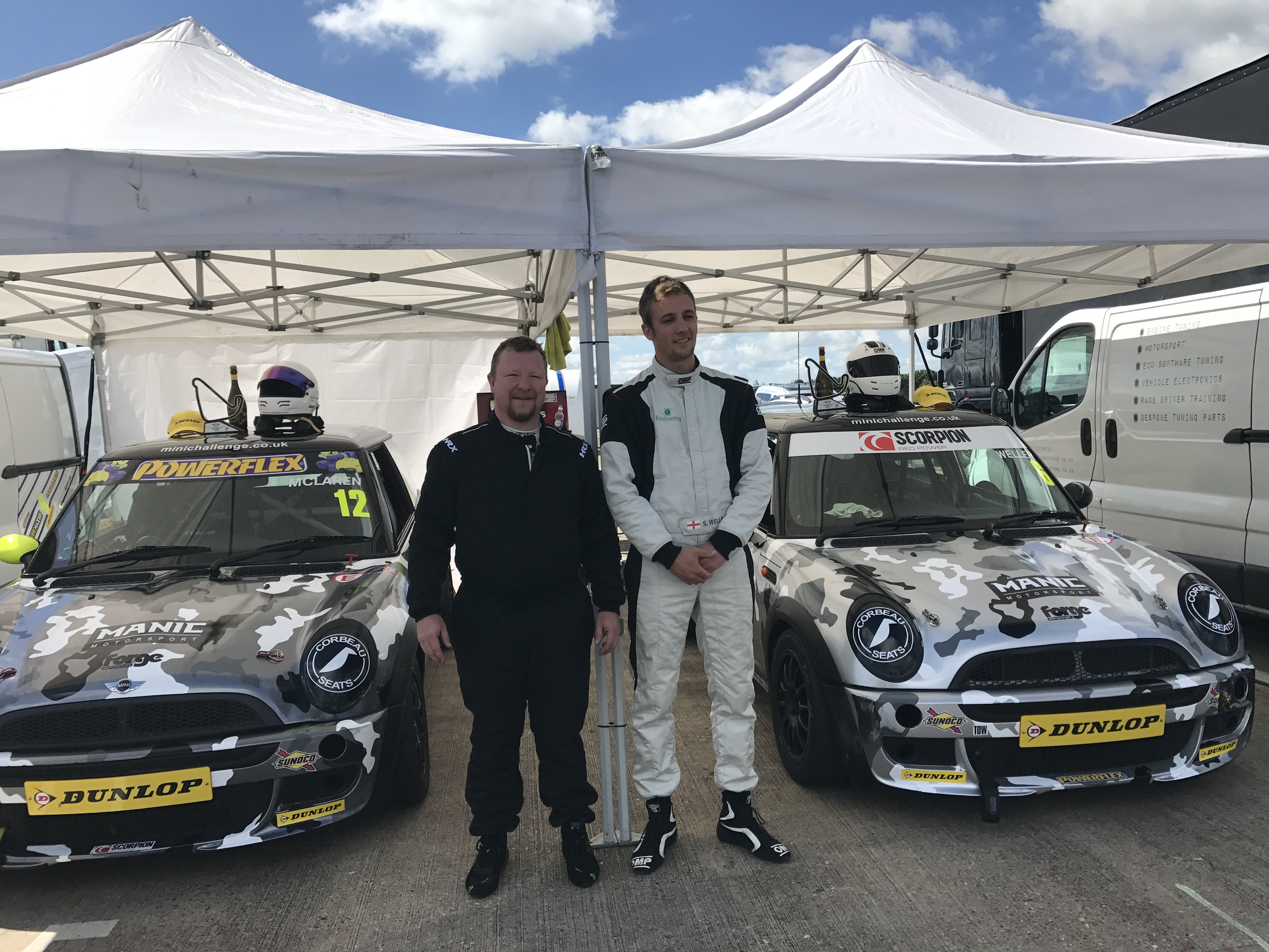 Race 2 - Silverstone - MINI Challenge